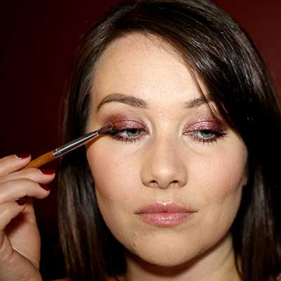 4.-Stardust-Eye-Shadow-under-brow,-Marsala-on-lid-and-under-eyes