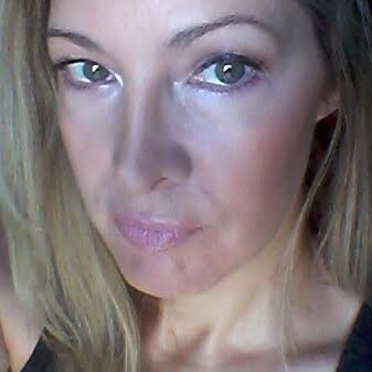 Headshot of Amy Sprague, Health & Beauty Blogger